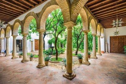 patios-palacio-viana