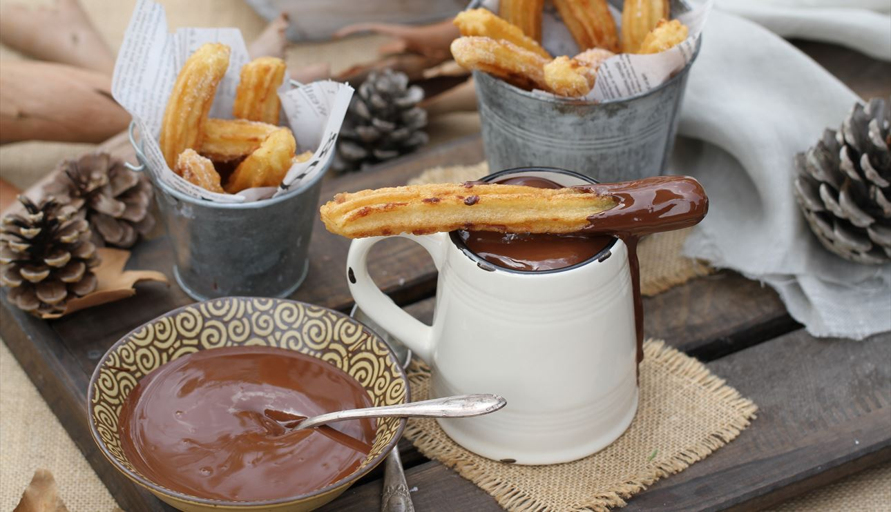 churros-con-chocolate-80-1290-742-nw